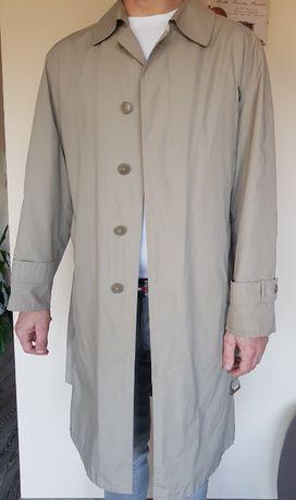 Płaszcz męski z paskiem