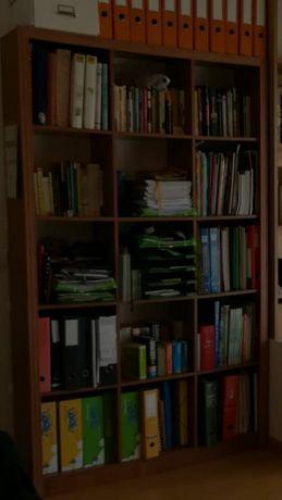 Móvel para livros