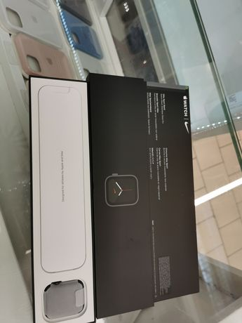 Apple Watch Nike SE 44mm Grey GPS+CELLULAR - sklep-