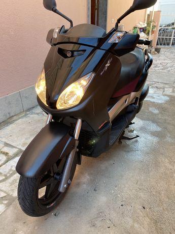 Yamaha Xmax Black