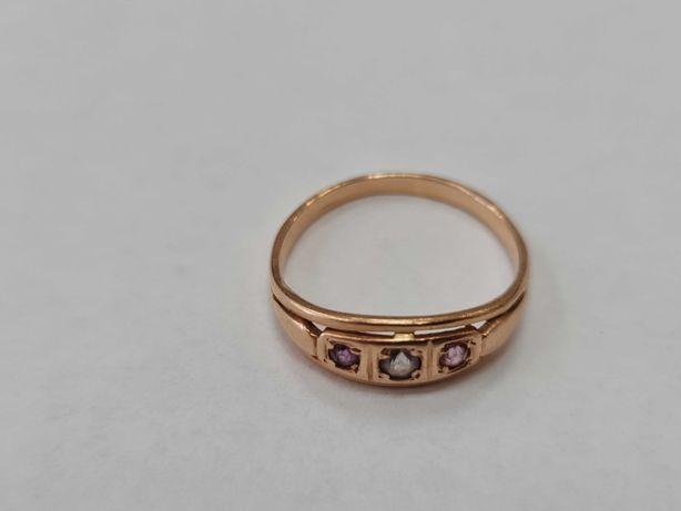 Wyjątkowy złoty pierścionek damski/ Radzieckie 583/ 2.61 gram/ R20