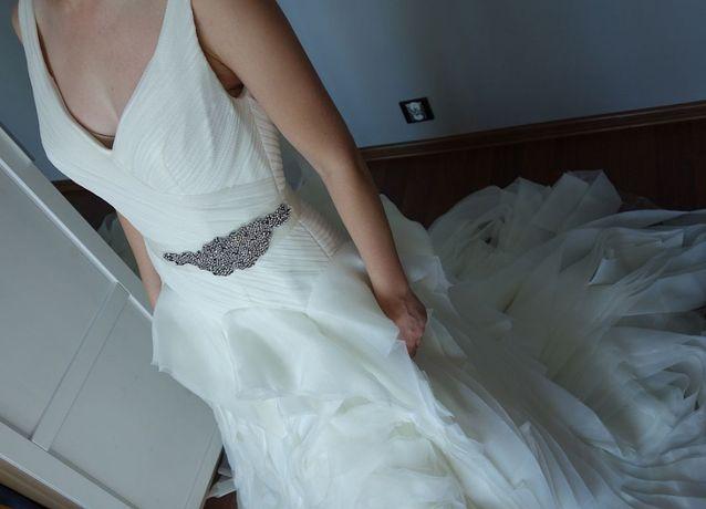nietuzinkowa Vera Wang 34/36 suknia ślubna XS/S sukienka EFEKTOWNA