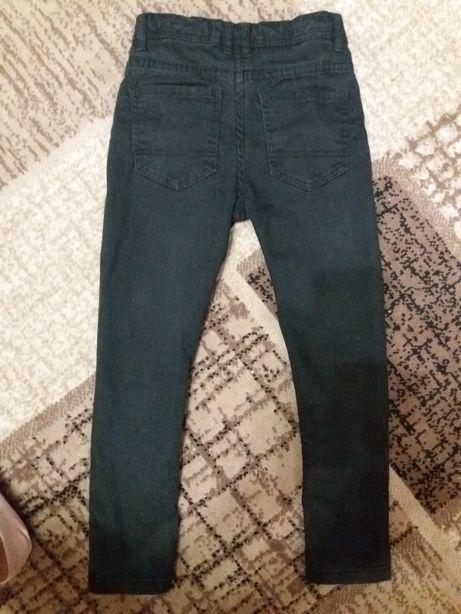 Черные джинсовые штаны
