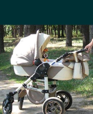 Коляска детская 2 в 1 в подарок чехлы на колёса и варежки.