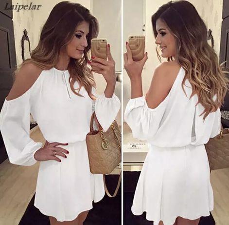 Zwiewna biała sukienka odkryte ramiona odkryte plecy