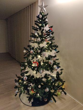 Árvore de Natal (Pinheiro de Natal) 210cm