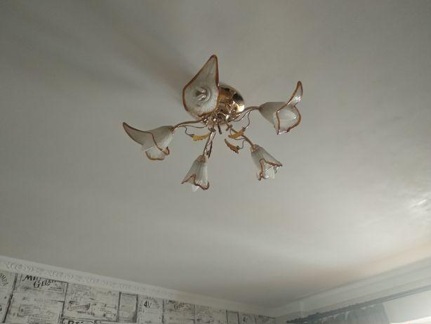 Продам люстру светильник лампу потолочную