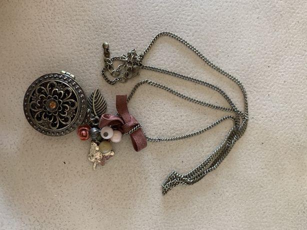 Bijuteria conjunto fios e colares