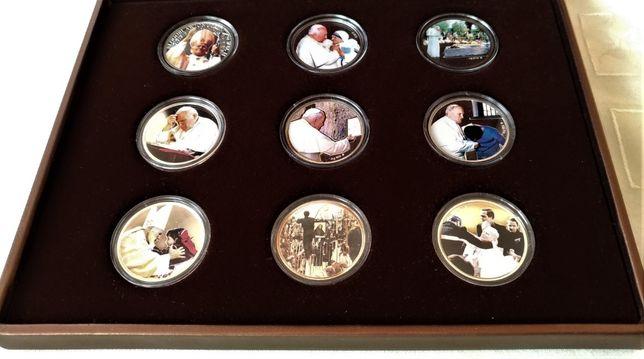 Kolekcja beatyfikacyjna srebrnych numizmatów Jana Pawła II