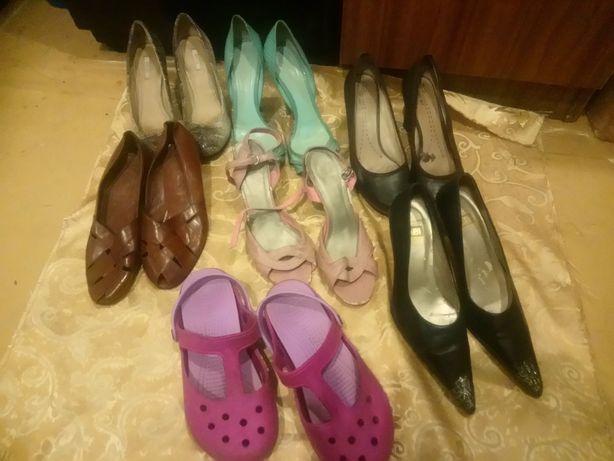 Пакет женских туфлей