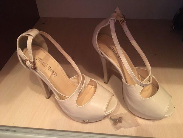 Туфлі ( босоножки )