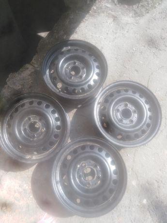 Диски металеві r 15 5x112 mersedes