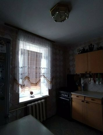 Продам трьох кімнатну квартиру