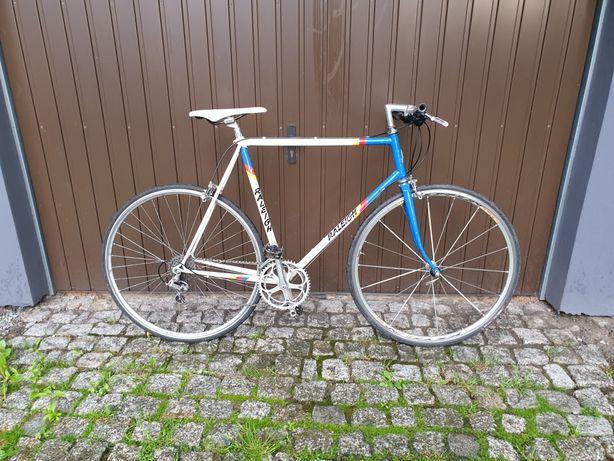 Szosa gravel rower trekingowy raleigh