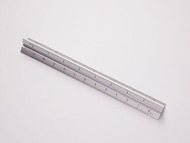 Réguas de escalas, metálica e plástico
