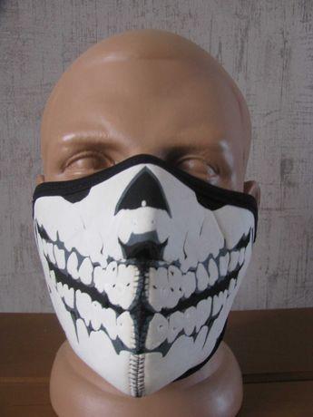 Маска с черепом на нижнюю часть лица