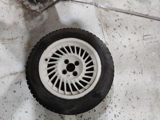 Продам комплект колес R14 4x100 зимома резина Toyo