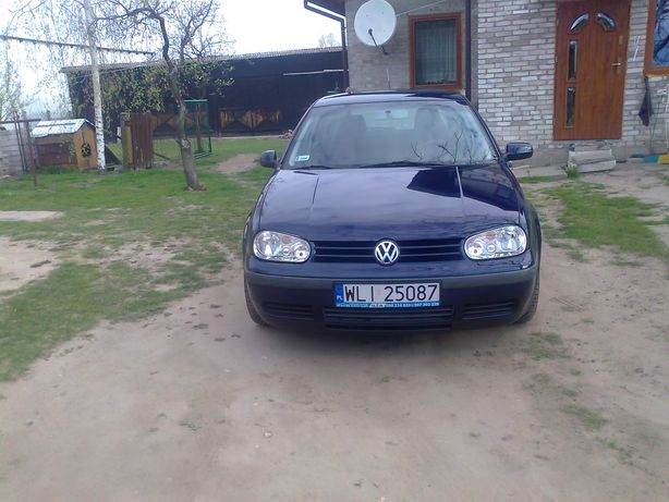 Volkswagen Golf IV r2002 b+g klima