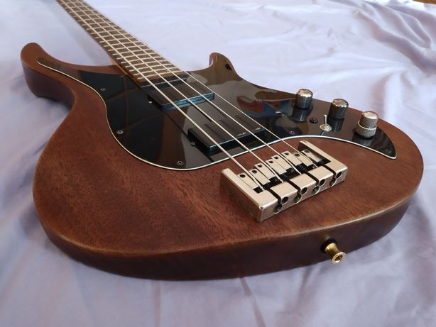 Бас-гітара Hohner HRB Deluxe