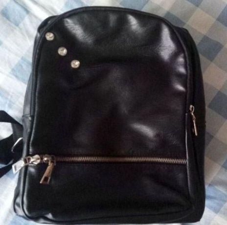 Чорний рюкзак, жіночий рюкзак