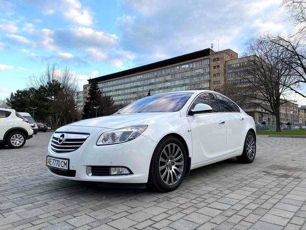 Продам свой Opel Insignia Turbo 2.0 Official автомат 2009 год