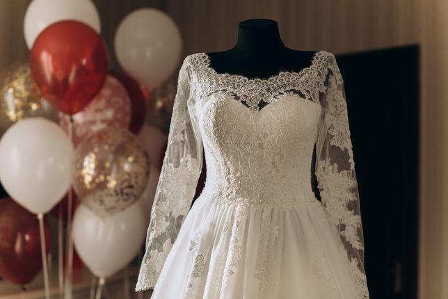Весільне плаття , свадебное платье, розмір 44(м.)