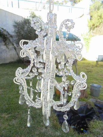 Candeeiro/ lustre romântico branco