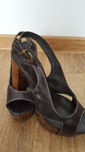 Włoskie skórzane sandały na wysokim obcasie rozmiar 35