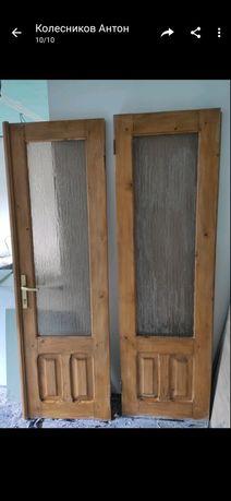 Міжкімнатні подвійні двері, дерево, масив.