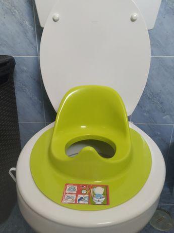 Redutor de sanita para criança