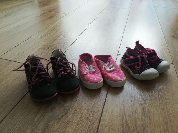 Buty dla dziewczynki rozmiar 18-19.
