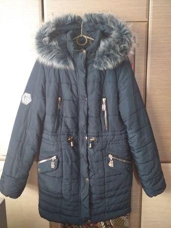 Продам тёплую куртку.