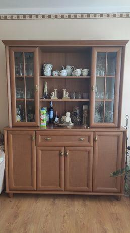 Meble do salonu stół komoda z witryną komoda pod tv