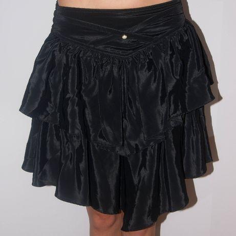 Czarna spódnica z falban