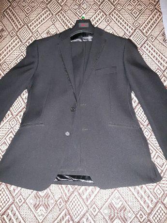 garnitur czarny jak nowy