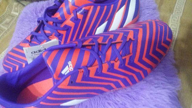 кроссовки футбольные новые