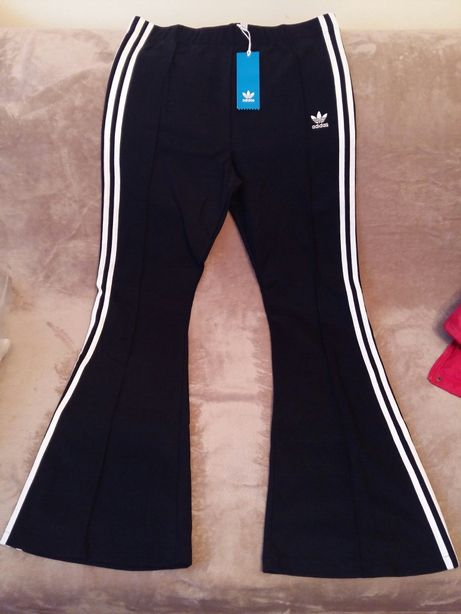 Adidas Spodnie 'FLARED TP'