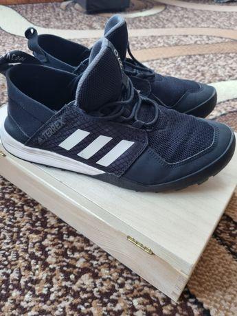 Красовки Adidas р.40