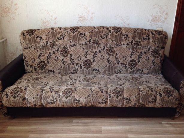 Мягкая мебель: диван и 2 кресла. Торг.