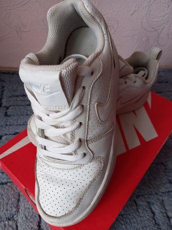 Кроссовки Nike 36 размер