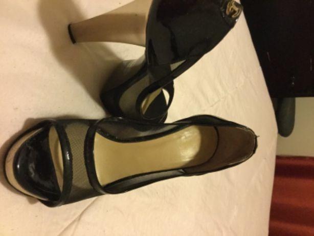 Sapatos lindos de cerimónia Just Cavalli