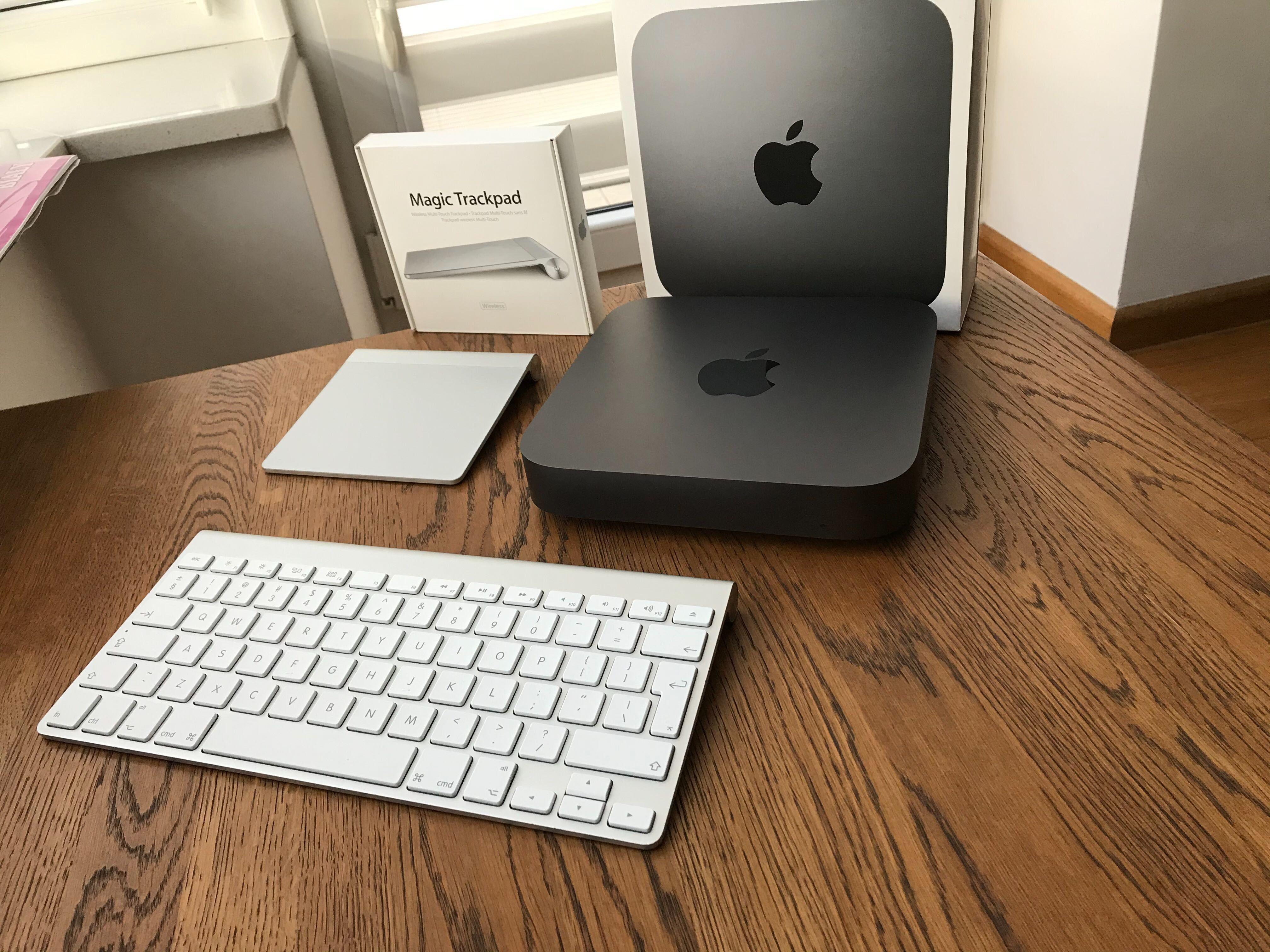 Mac Mini 2018 i3 16 Gb Ram 128 Ssd + klawiatura i gładzik Apple Zestaw