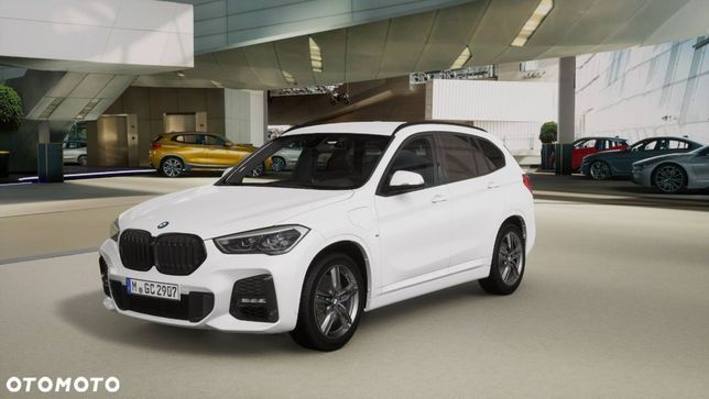 BMW X1 X1 xDrive25e //Individual Shadow Line//DEMONSTRACYJNY!