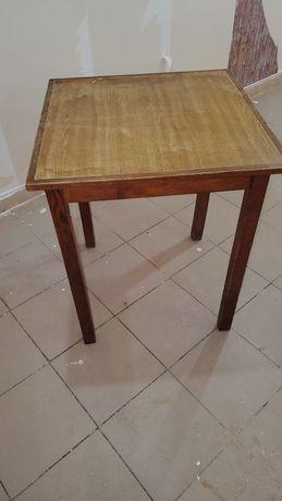 Mesas e cadeiras de restaurante
