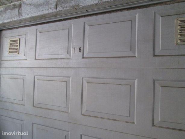 Garagem Individual 44 Fundão