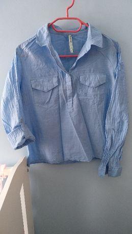 Niebieska bluzka koszulowa zakładana przez głowę Stradivarius roz.M/L
