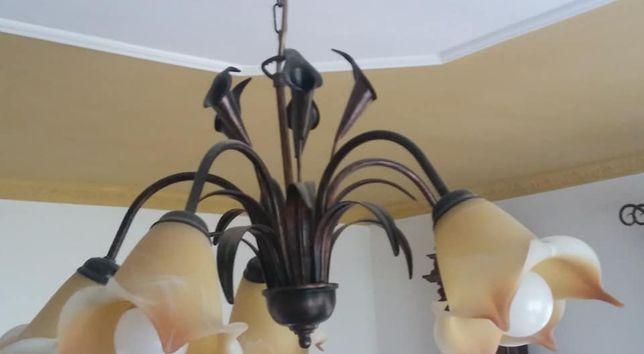 lampa pokojowa metaloplastyka