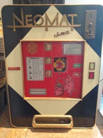 Zabytkowy - automat do gry j - z lat 60-tych