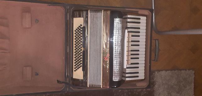 Sprzedam akordeon 80