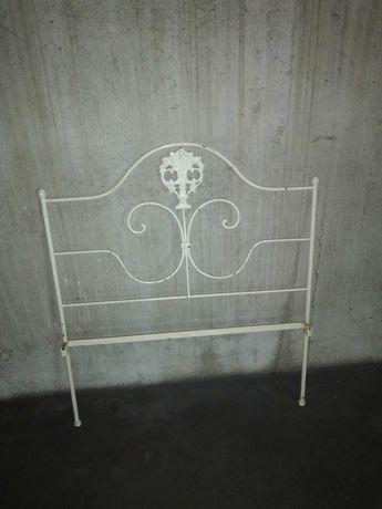 cama de solteiro em ferro muito antiga